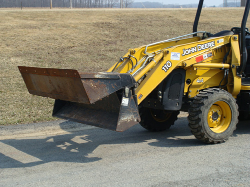 Loader JD 110 Bucket 4 in 1 Image