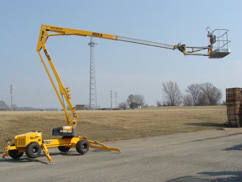 Lift, Bucket Self Propelled 45′ w/stabilizers Image