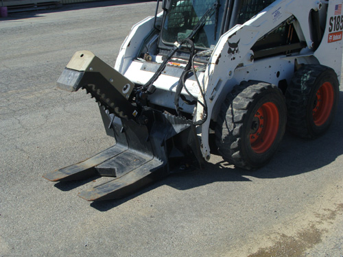 Skidsteer Attachment, Demo Claw/Debris Removal Image