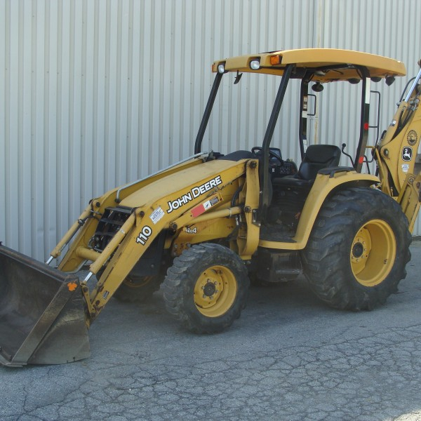 Loader / Backhoe 2 JD 110 Image
