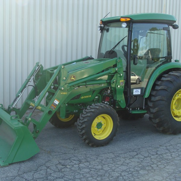Loader/ 2 JD 4066R Image