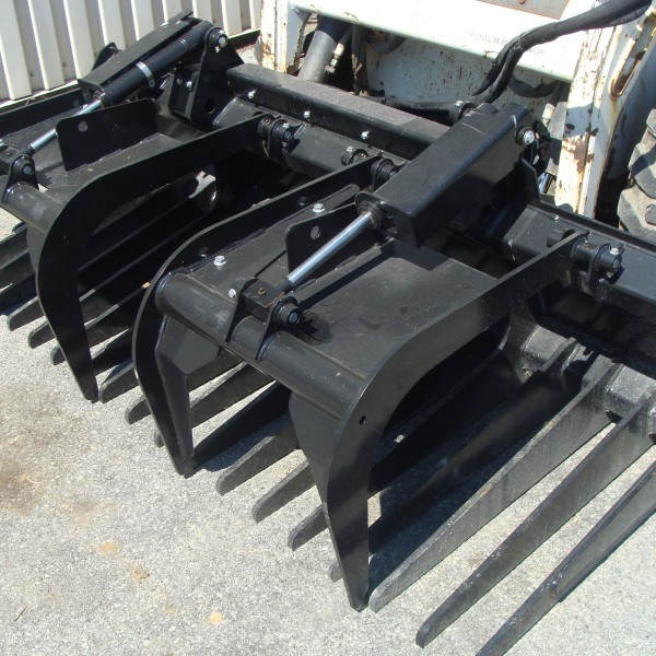 Skidsteer Attachment, Bucket Grapple 80″ Open Bottom Image